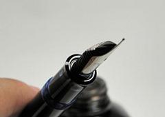 ブルーデモンストレーター 溜まったインクを吸入 写真